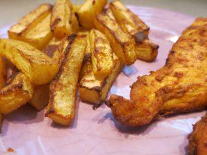 Kohlrabipommes mit Curryhähnchenbrust