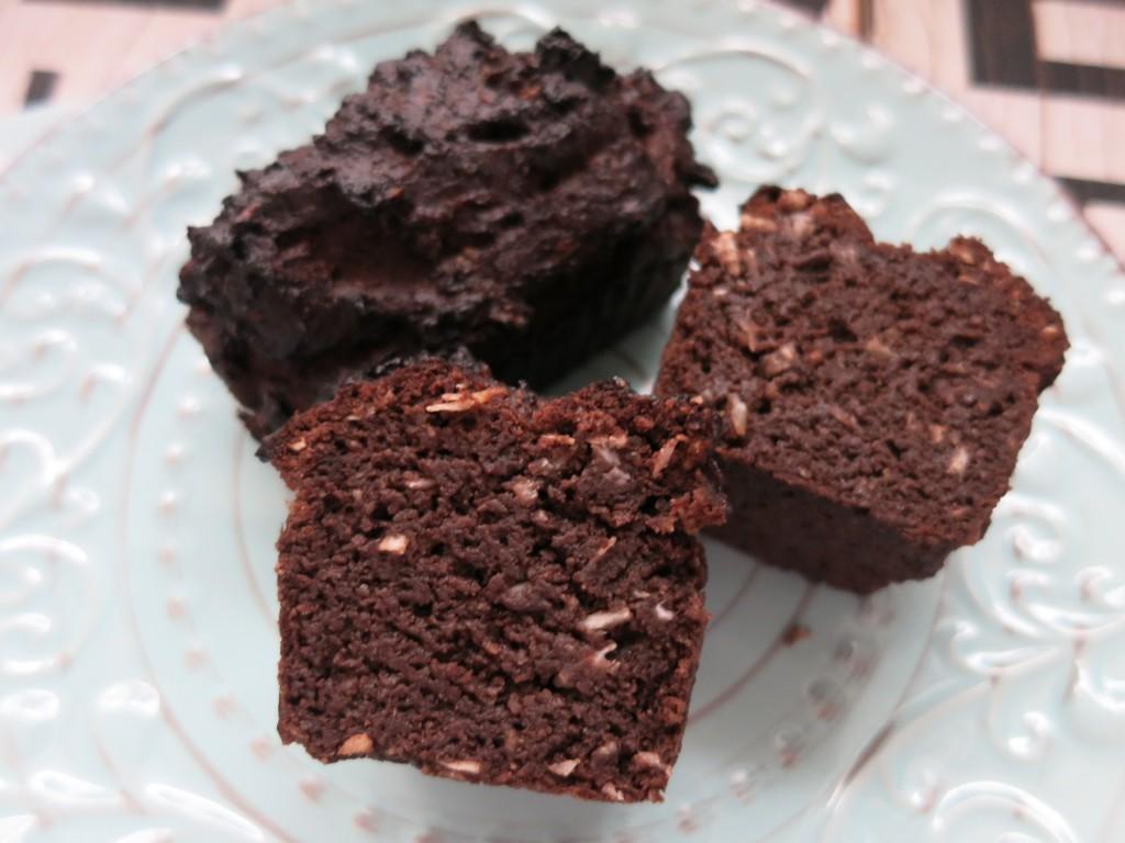 kokos schoko brownies happy carb rezepte. Black Bedroom Furniture Sets. Home Design Ideas