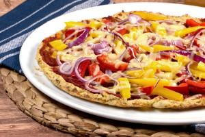Low Carb Pizza aus Blumenkohl-Teig
