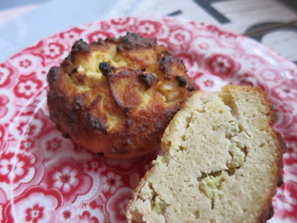 low carb rhabarber muffins happy carb rezepte. Black Bedroom Furniture Sets. Home Design Ideas