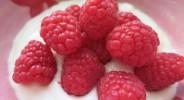 Himbeer-Vanille-Mandel-Joghurt