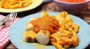 Low Carb Currywurst mit Cheesy-Kürbis-Pommes