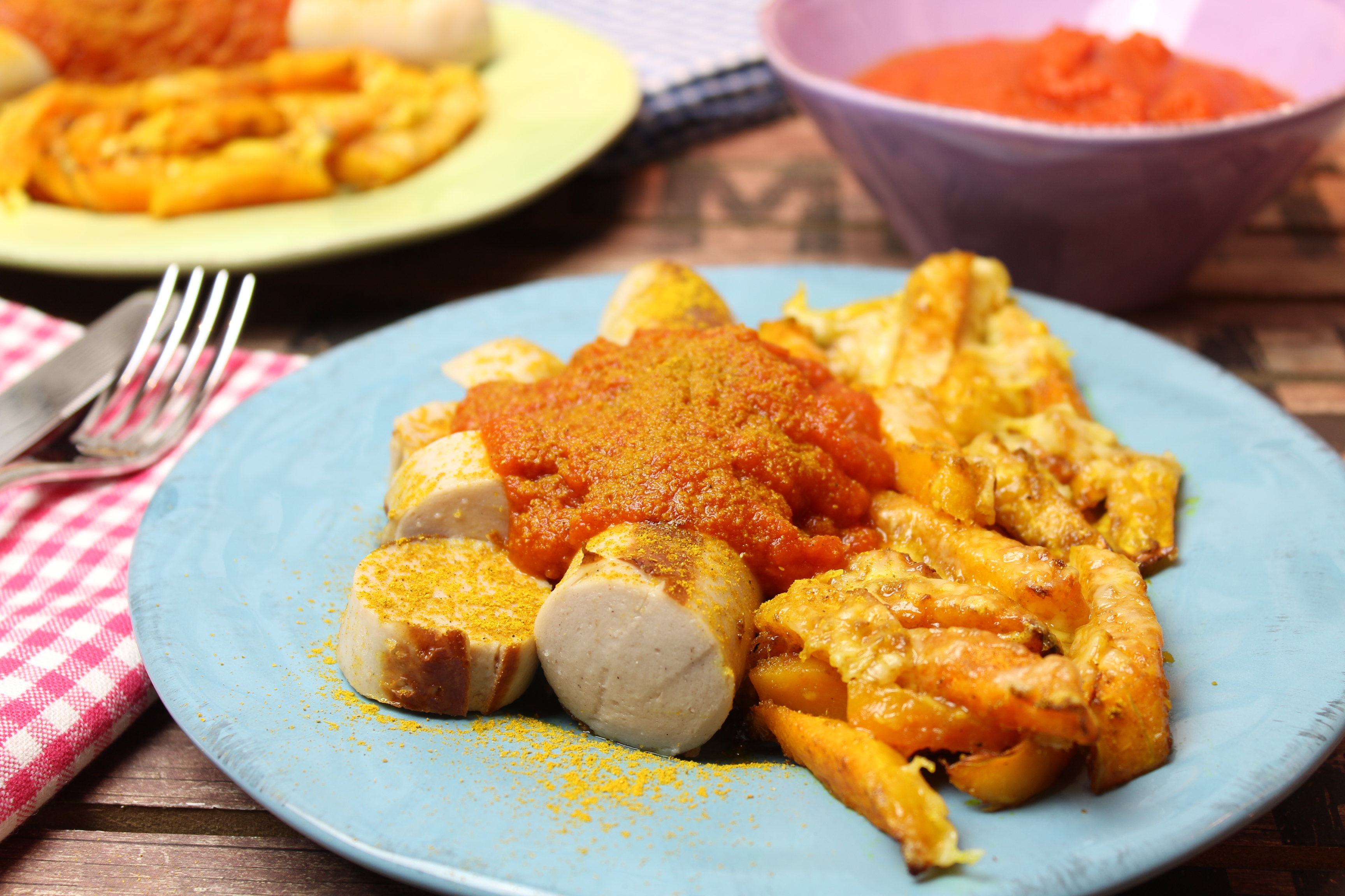 Low Carb Currywurst Mit Cheesy Kürbis Pommes Happy Carb Rezepte