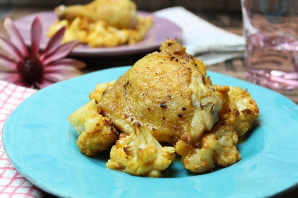 Curry-Chicken mit Erdnuss-Röstblumenkohl