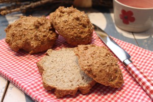 Erdnuss-Sesam-Brötchen
