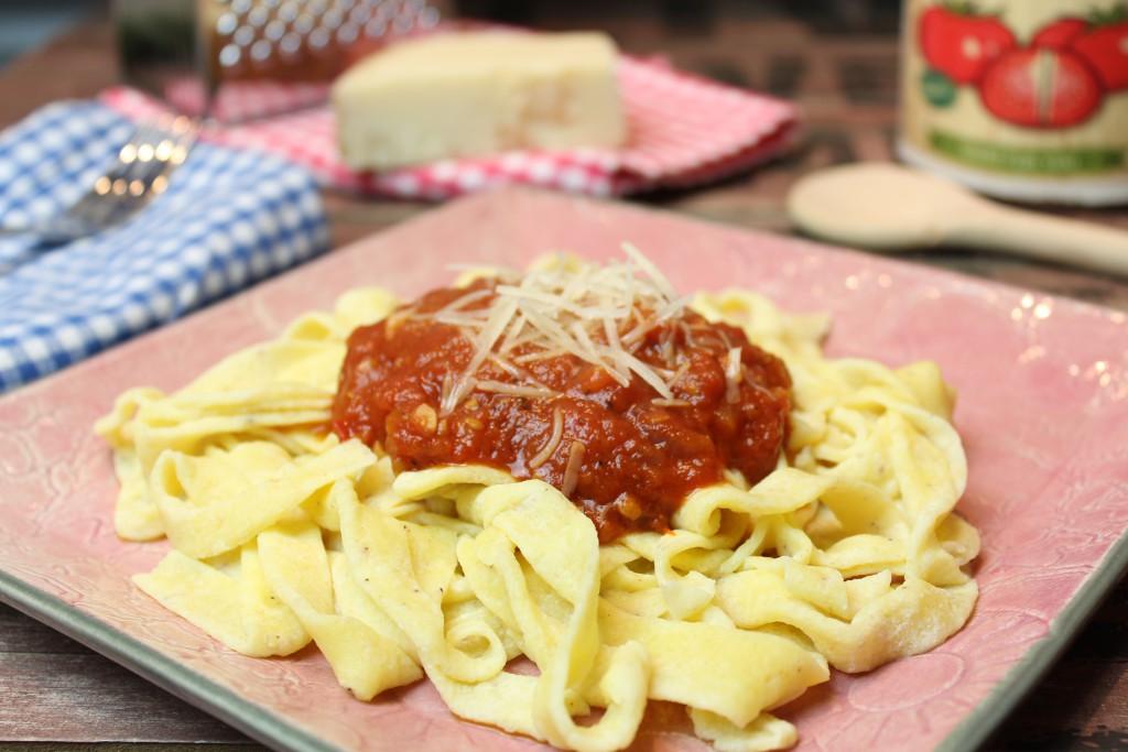 mozzarella nudeln mit tomatenso e happy carb rezepte. Black Bedroom Furniture Sets. Home Design Ideas