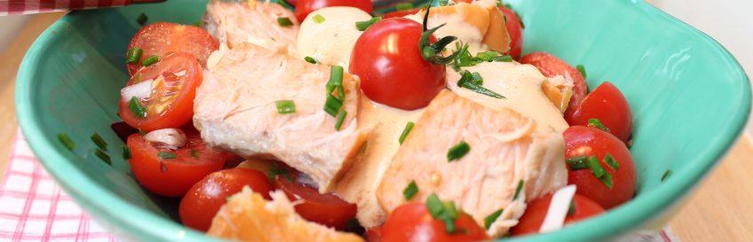 Fruchtiger Lachs-Tomatensalat
