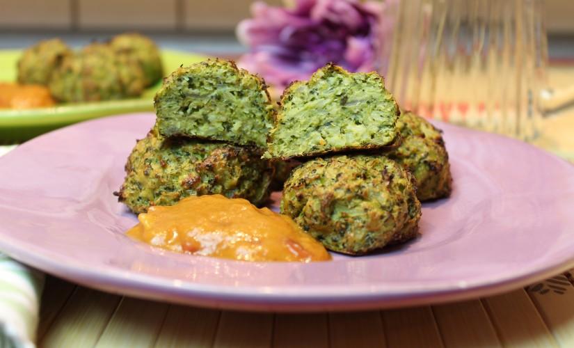 Brokkoli-Balls mit Rhabarber-Curry-Chutney