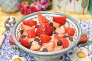 Schoko-Joghurt mit Erdbeeren