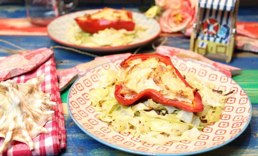 Spitzpaprika mit Lachscreme und Butter-Röstkohl