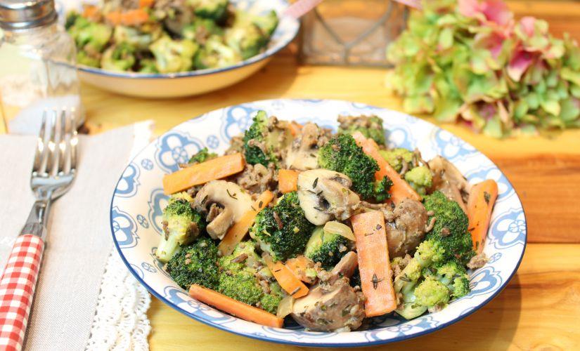 Brokkoli-Karotten-Hackpfanne