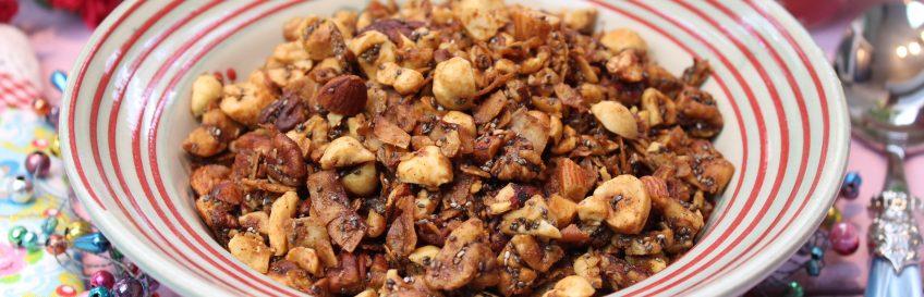 Low Carb Knuspermüsli zum Frühstück
