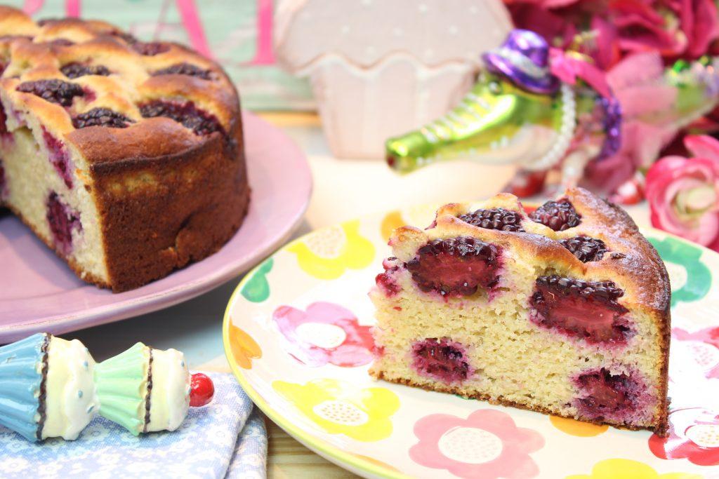 Brombeer-Joghurt-Haferkleie-Kuchen