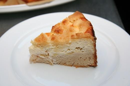 Pfirsich-Quark-Kuchenstück.jpg