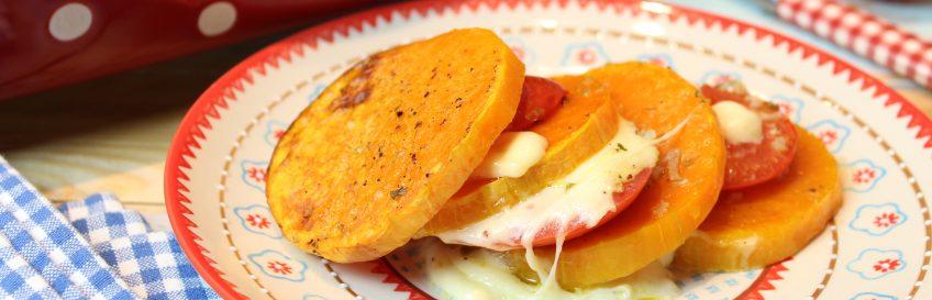 Kürbisauflauf mit Tomate und Mozzarella