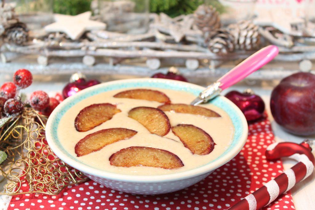 Ostfriesen-Porridge mit warmer Zimt-Pflaume