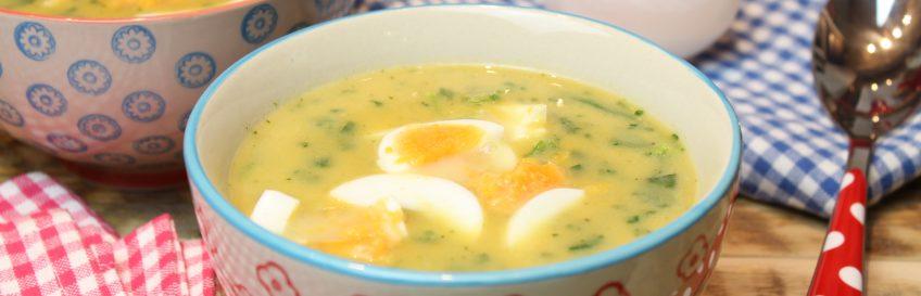 Kartoffelsuppe mit Spinat und Ei