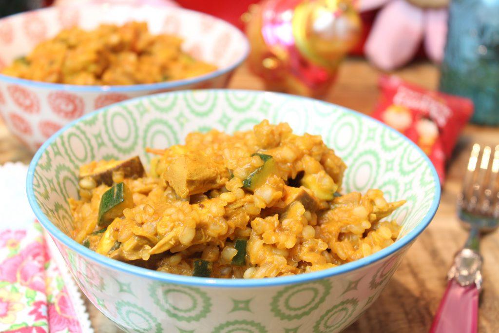 Tomatige Curry-Konjakreispfanne