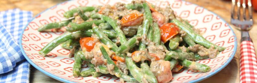 Keto-Bohnen-Hackfleischpfanne mit Tomate und Dill