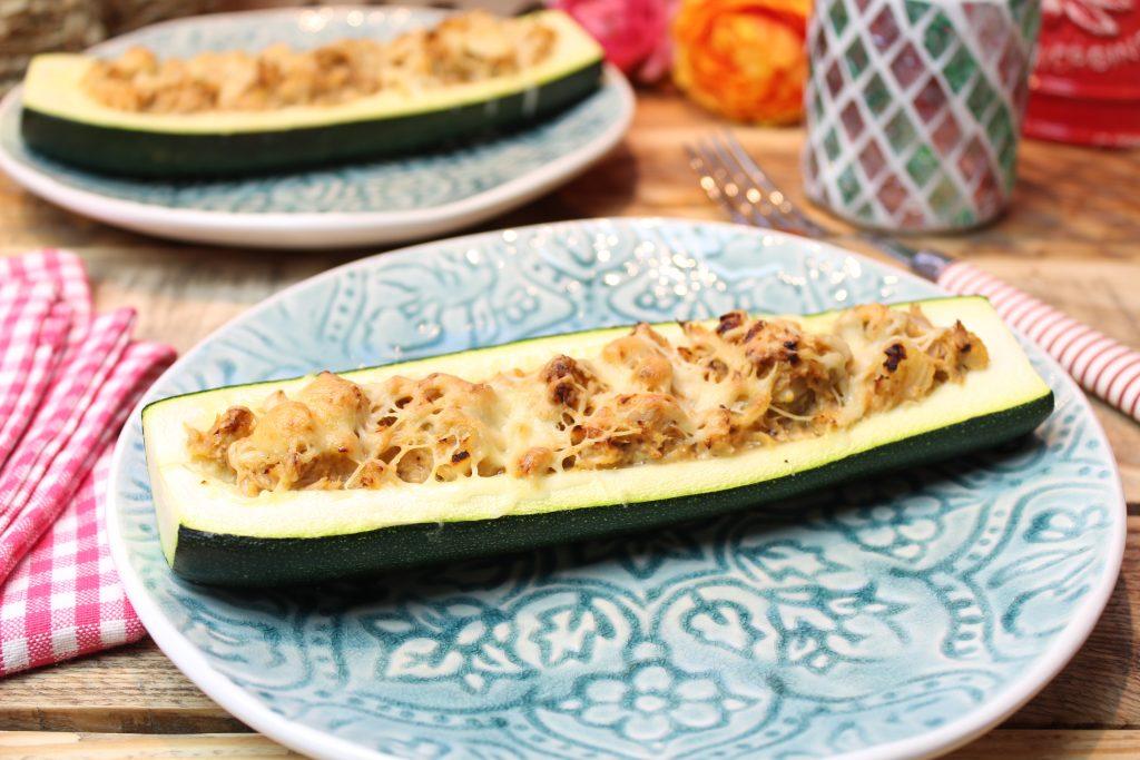 Überbackene Thunfisch-Zwiebel-Zucchinis