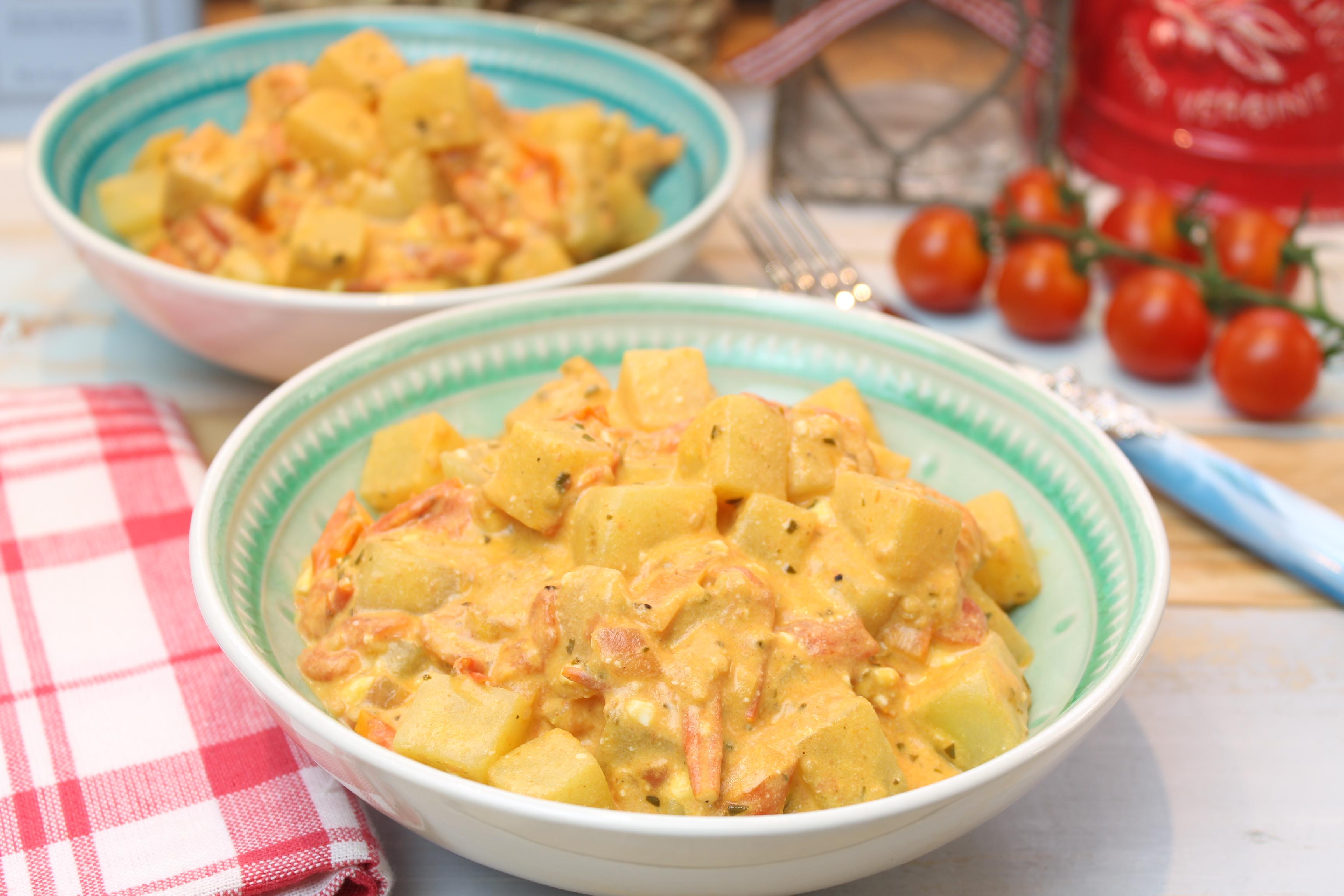Kohlrabipfanne mit Tomate und Feta