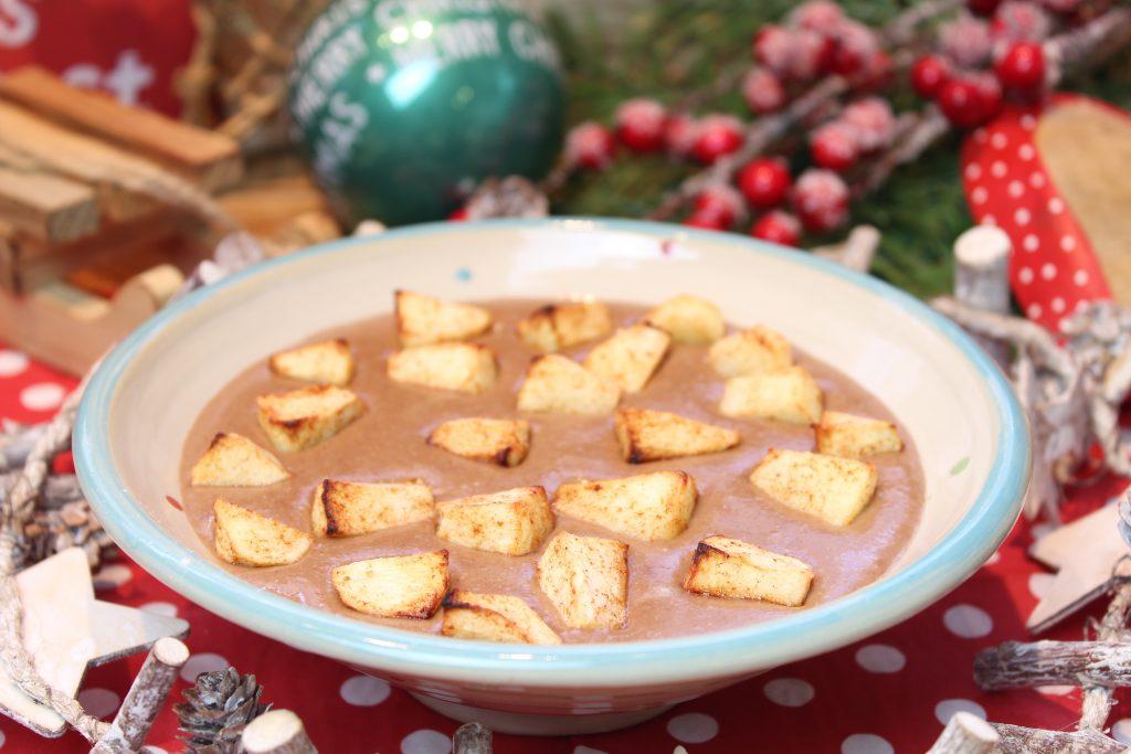Spekulatius-Schokoladen-Porridge mit heißem Zimtapfel
