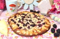 Brombeer-Schmand-Crostata mit Mozzarellateig