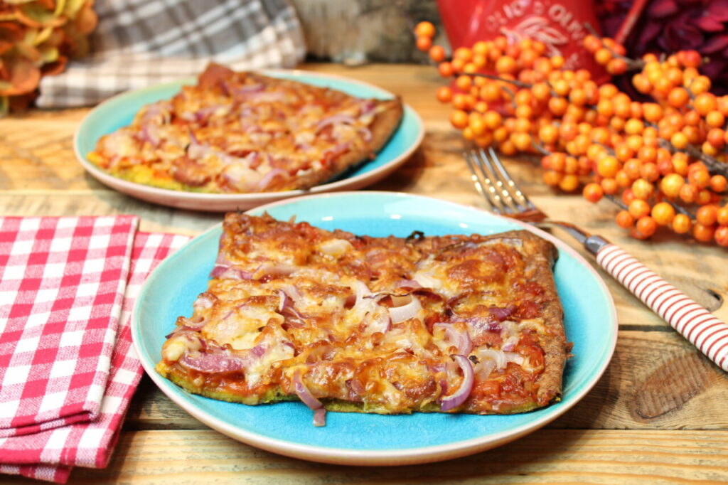Kürbispizza Peperoni-Zwiebel